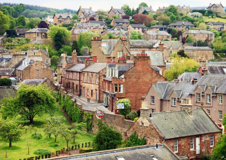 a photograph of a scottish village